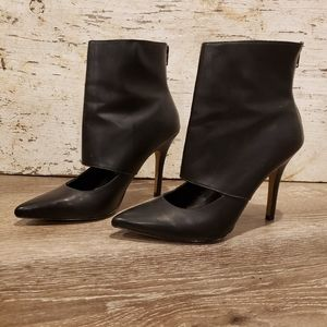 Black heels with high ankle